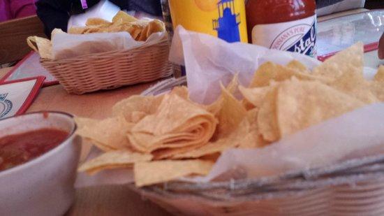 Border Cafe: つきだしのチップス