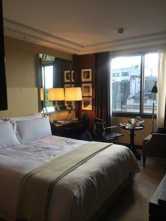 Four Seasons Hotel London at Park Lane : Room