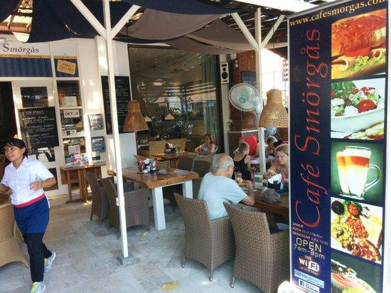 Cafe Smorgas: Happy staff