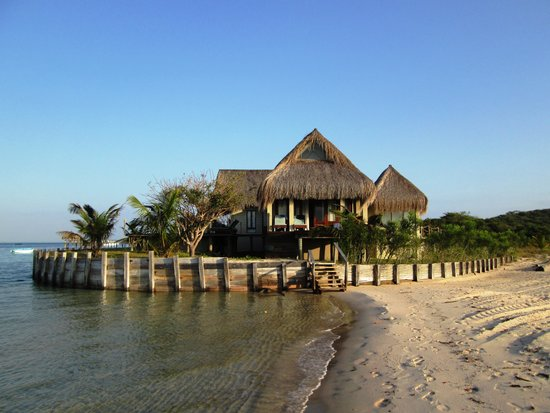 Dugong Beach Lodge : Great rooms on the beach