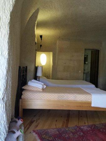 Karadut Cave Hotel: Camera tripla cave