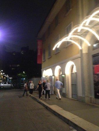 Teatro Studio del Piccolo Teatro: Вход в театр