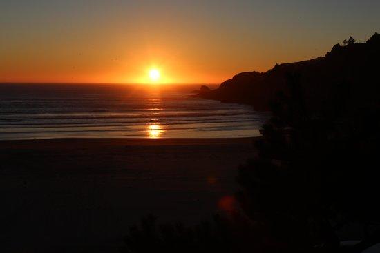 Starfish Point Condos: A little night light at sunset