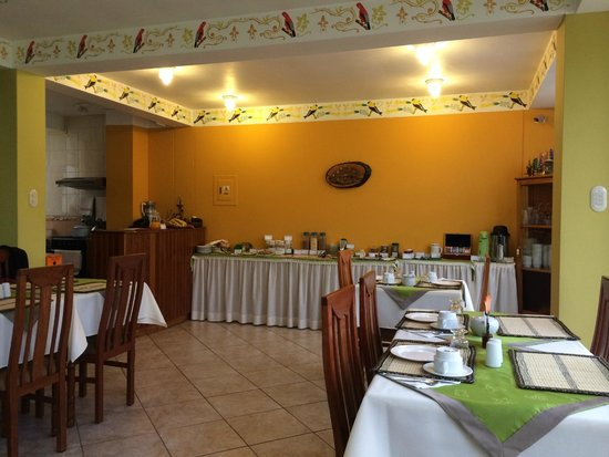 Hotel Torre Dorada: Dining room and breakfast buffet
