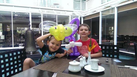 Kantary Hills, Chiang Mai: Kids got balloons at breakfast