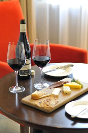 Hotel Lindrum Melbourne - MGallery Collection: 24-hour room service