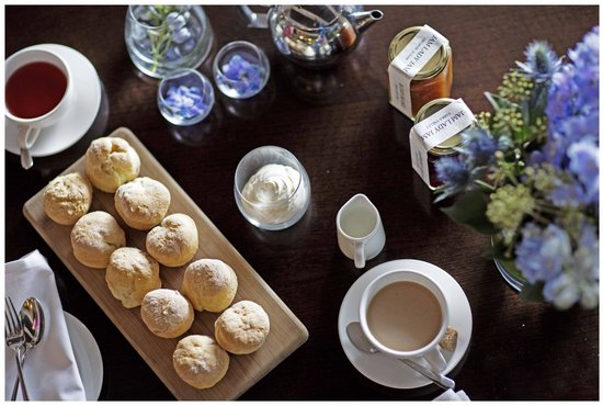 Hotel Lindrum Melbourne - MGallery Collection: High Tea is served every Sunday