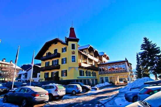 Cristallo Hotel: Hotelansicht Winter