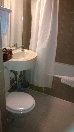 New Hotel Saint Lazare: bagno stanza 7