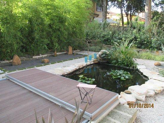 Appia Antica Resort: Le bassin d'agrément et le jardin japonnais