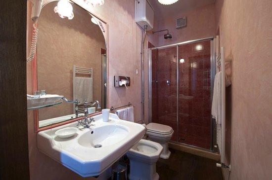 B&B Ulivo Rosso : Camera Moraiolo bagno