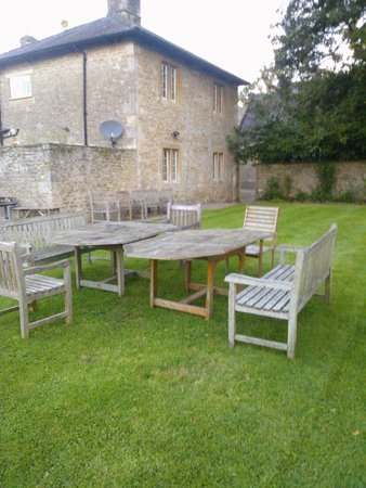 Orchardleigh House: Garden joined to cottage