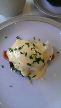 Cherryhill Lodge: Eggs Benedict