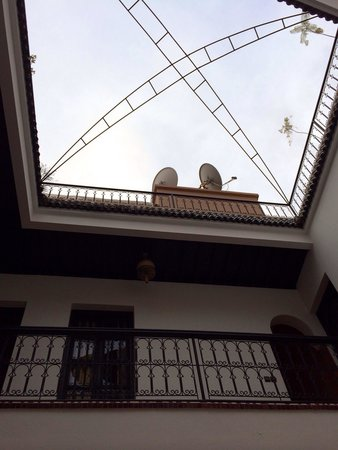 Riad Agdim : Overlooking the Terrace great spot for breakfast :)
