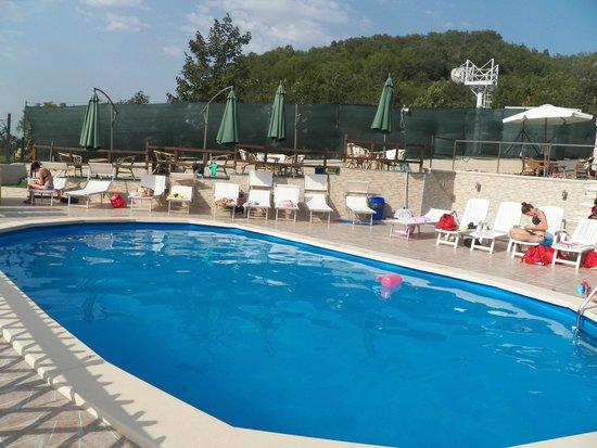 SOS Sporting Village: PISCINA