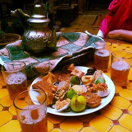 Riad Sidi Omar: Tea is served