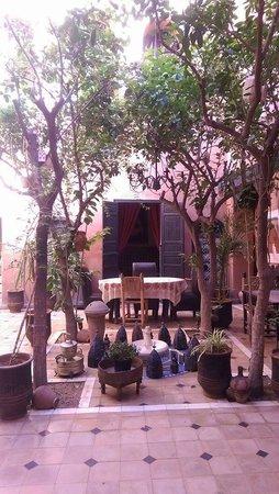 Riad Sidi Omar: Courtyard