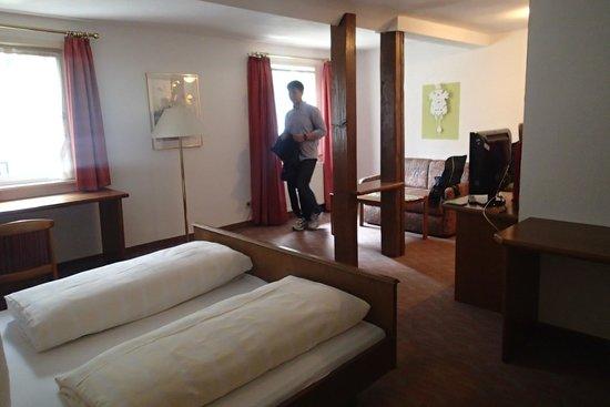 Adler: Spacious bedroom