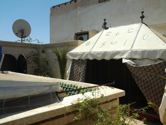 Riad Massin: resting tent on the roof