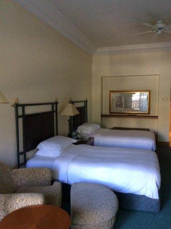 Grand Hyatt Muscat : Twin room second floor