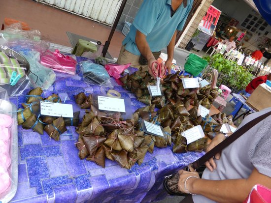 Gaya Street Sunday Market: Food options if you want to try
