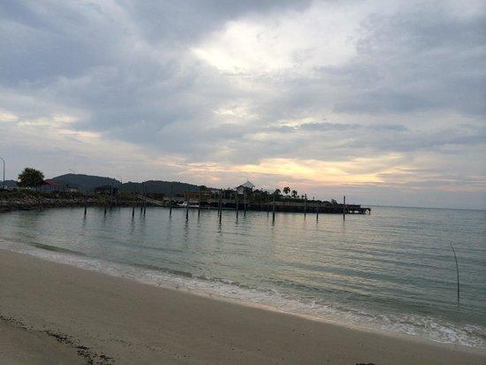 Senari Bay Resort: Small private beach at Senari Bay!!!