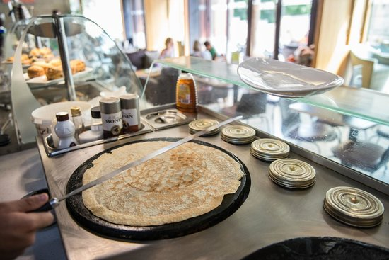 Stokes Collection Cafe: Crêpe station