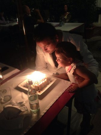 Ristorante San Martino: gateau personaliser pour pouvoir acceuillir 36 bougies