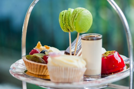 The Montague on The Gardens: Afternoon Tea on the Terrace