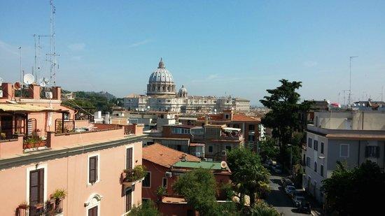 Roma Dreaming: Чудесный вид с балкона на Ватикан