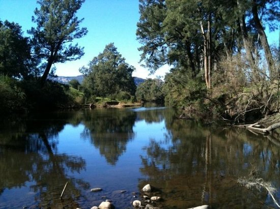 Glenmack Park: The beautiful Kangaroo River