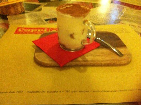 Pizzeria Capri: Un fantastico tiramisù