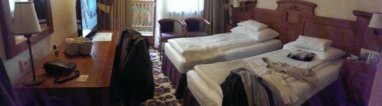 Paltinis, Romania: Room