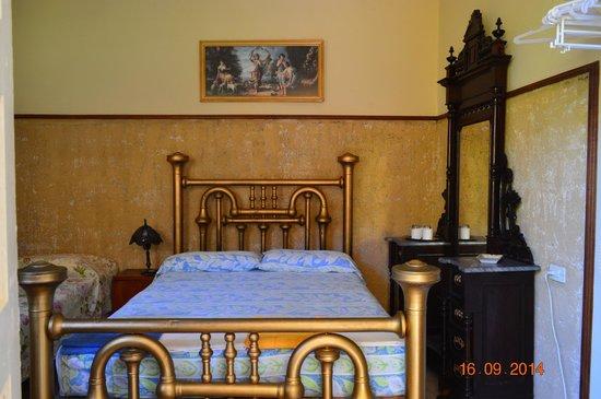 Hostal Nilda Y Luis: chambre