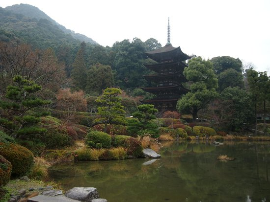 Ruriko Temple Five-Story Pagoda: 五重の塔