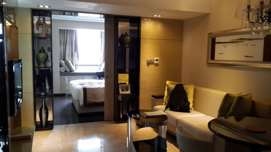 THE ONE Executive Suites managed by Kempinski-Shanghai: Living room