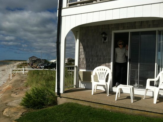 Beach House at Bass River: Hotel by the sea