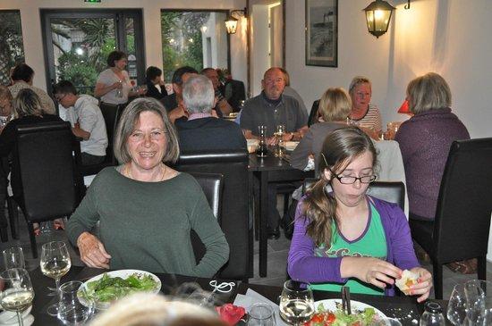Le Jardin d'Héléna: Happy diners!