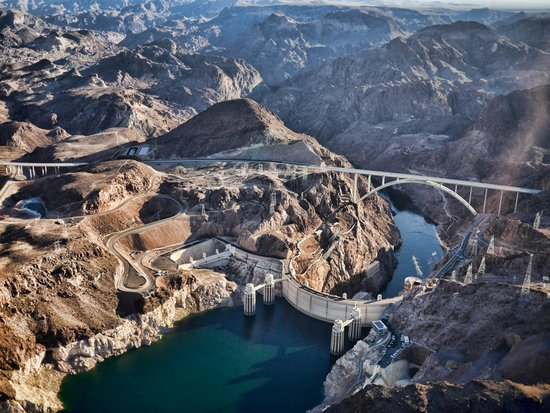 Hoover Dam Flyover  Picture Of Sunshine Helicopters  Grand Canyon Tours La
