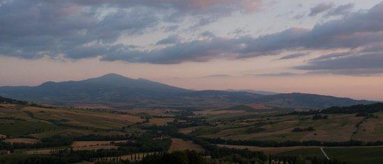 Podere Il Casale: The view from the Podere: Monte Amiata in the evening sun