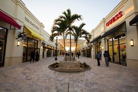 Palm beach fashion outlet mall 95