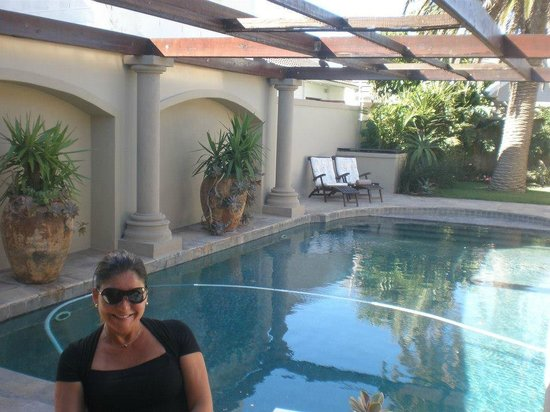 Manor 38 : Piscina maravilhosa!!!