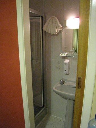 Freeport House Bed & Breakfast : das kleine Badezimmer