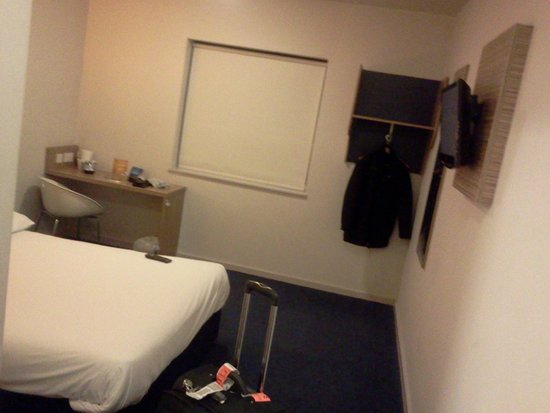 Travelodge Macclesfield Central: Room