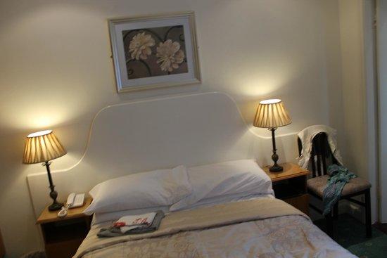 Dergvale Hotel: Room 17