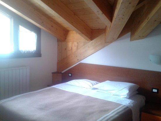 Residence Acero Rosso: camera matrimoniale
