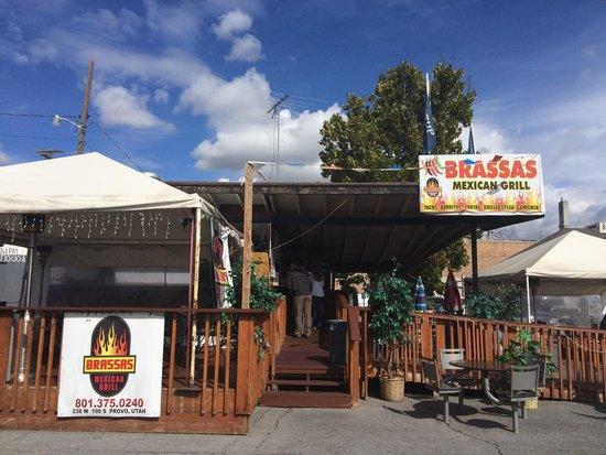 Brassas Mexican Grill: Main Entrance
