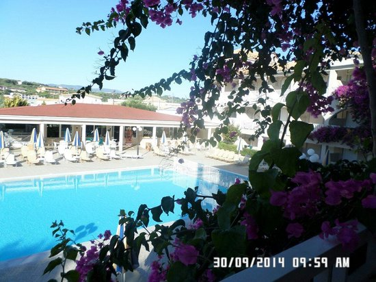 Planos Apart Hotel: View from balcony