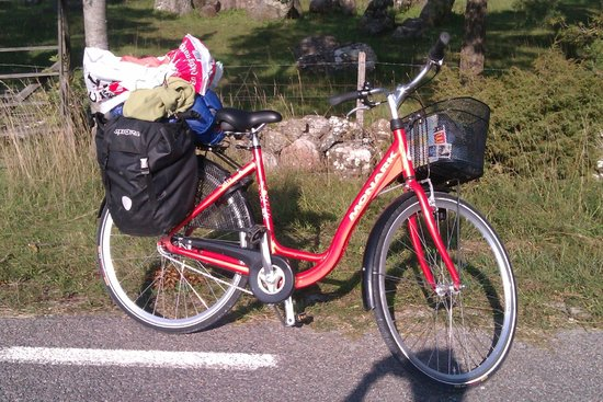 Gotlands Cykeluthyrning: a 7-speed, with back rack and front basket