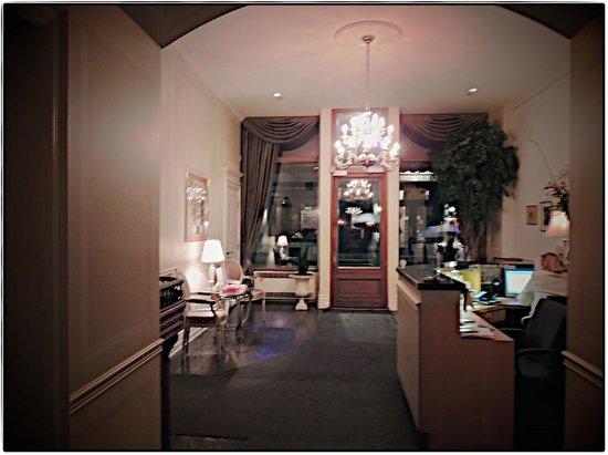 Auberge Bonaparte: The elegant lobby